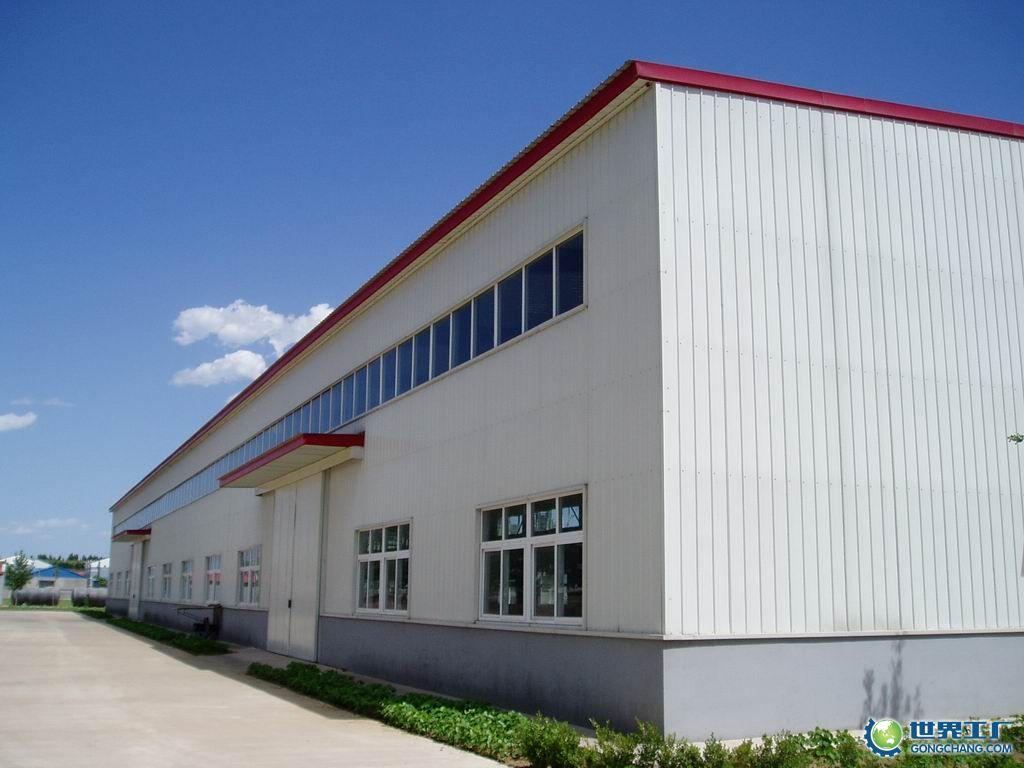详细说明   钢结构主要分为:用于厂房的排架结构、用于多高层建筑的框架结构、框架一剪力墙结构、框一筒结构,用于大空间的平板网架结构和弯顶网充结构等等。建筑功能不同,采用的结构形式也不同。钢结构设计要执行国家的技术规范,做到技术先进、经济合理、安全实用、确保质量。因此在结构设计制作的时候要注意以下要求:   1.