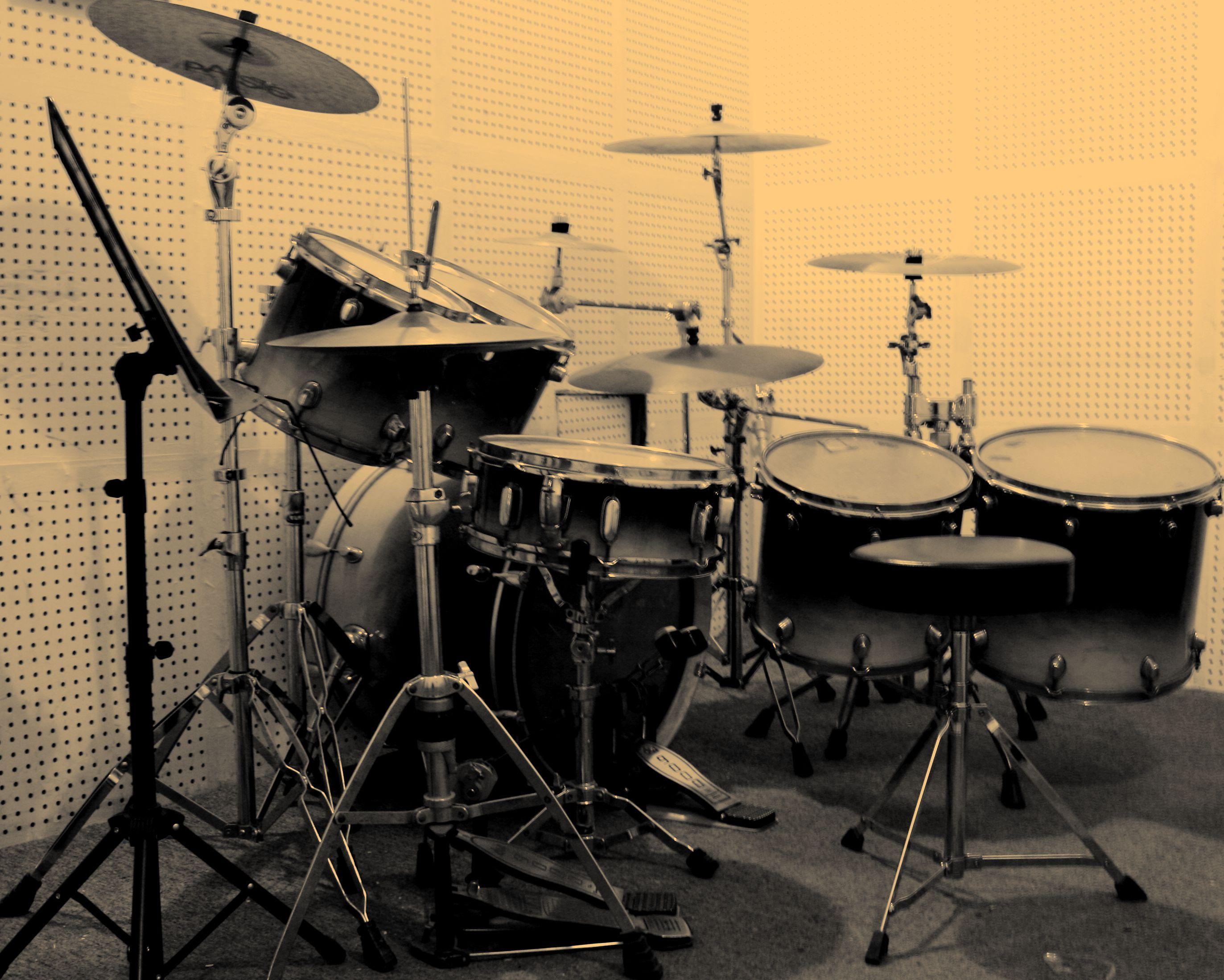 废旧物品手工制作乐器架子鼓
