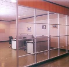 重庆玻璃隔断,重庆玻璃隔断价格,现代门窗值得推荐