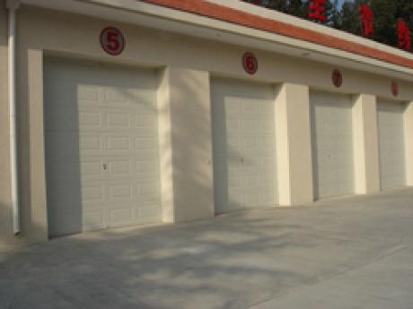 车库翻板门供应商哪家比较好,车库翻板门供应
