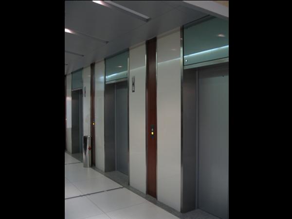 电梯门套不锈钢包板制作与安装