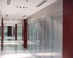 重庆办公隔断质量,重庆办公隔断价格,现代门窗值得信赖