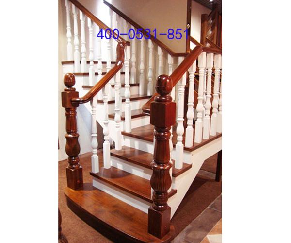 实木楼梯,使楼梯成为家居装饰中一道亮丽的风景线