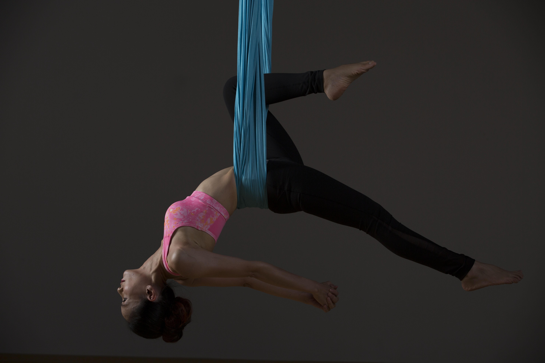 黑色剪影人物素材瑜伽