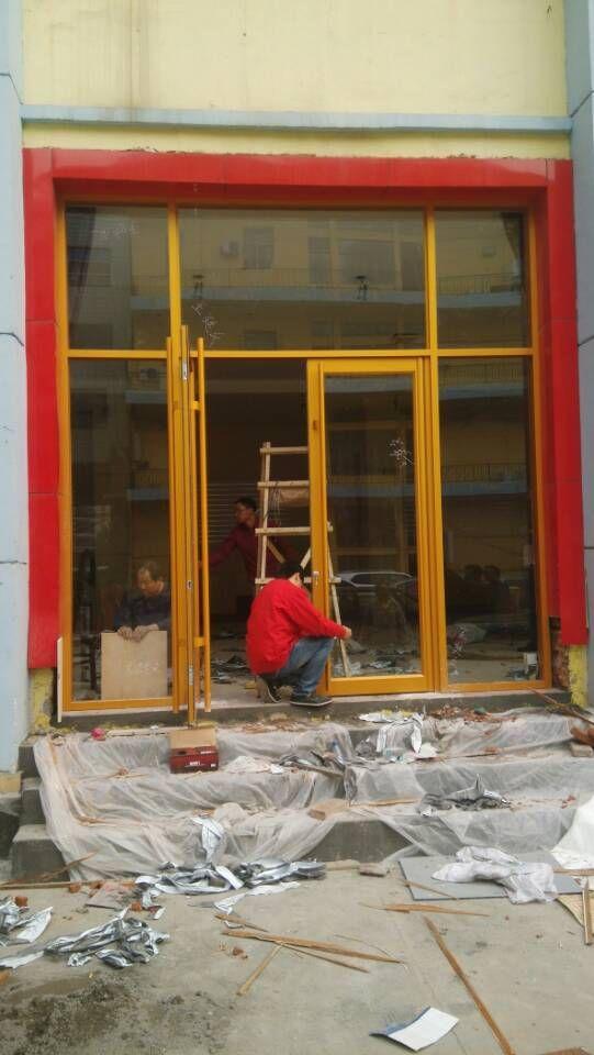 与济南半圆门安装的相关信息 玻璃专业贴膜 柜台展柜 肯德基门 无框