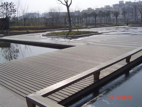 防腐木栏杆  【专业承接】南宁木结构亲水平台
