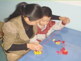 儿童自闭症费用价格 重庆自闭症康复训练