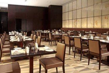 泉州艺博家具_优质办公会议桌供应商——整体橱柜厂家