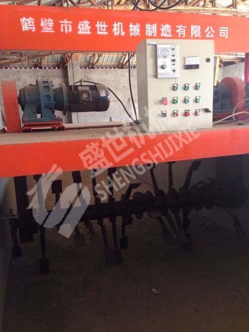 跨度3米型号整槽式翻堆机