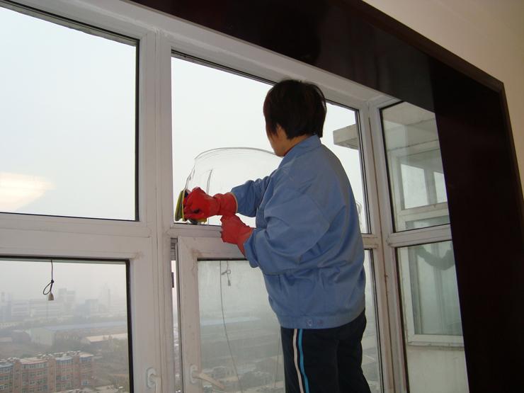 南宁家庭保洁专业周到的家政服务