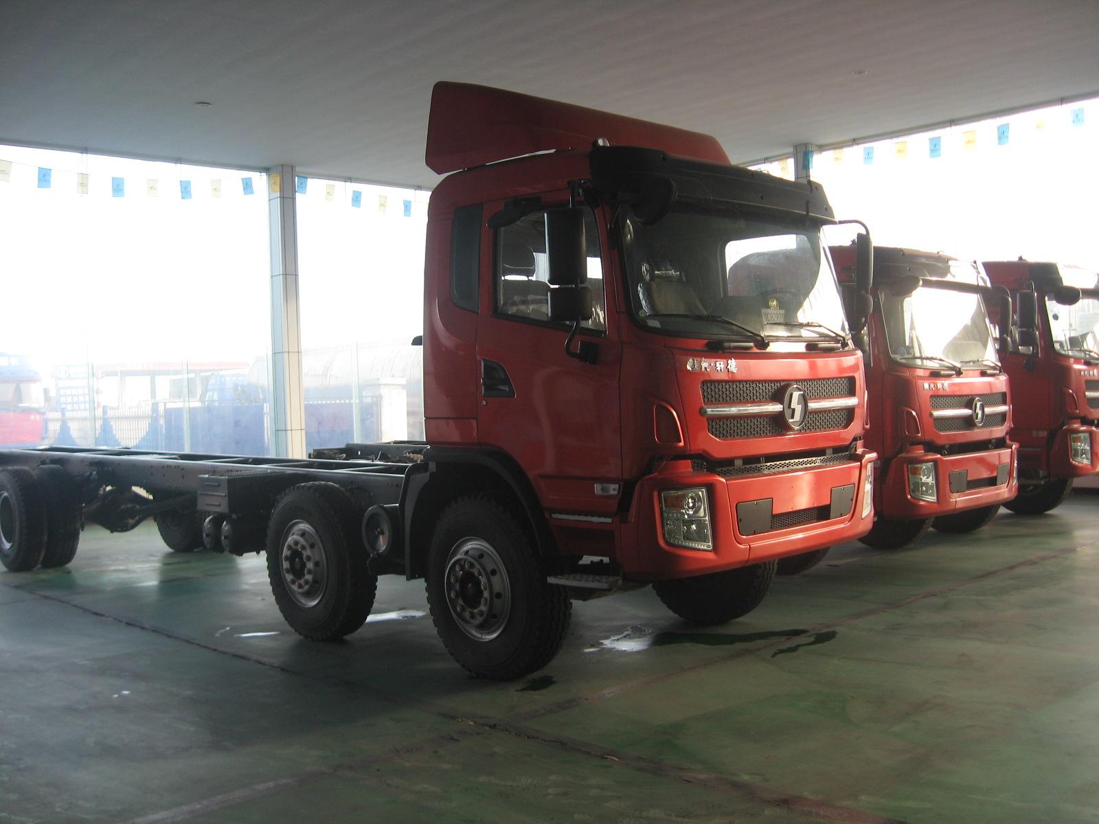 新到轻卡陕汽轩德6系载货车九米六高栏平板厢式货车