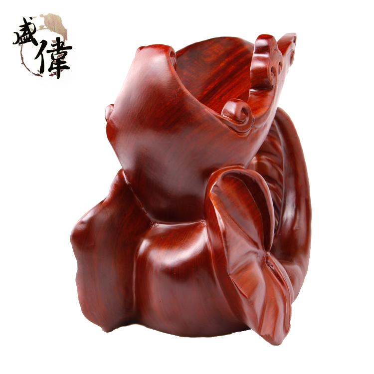 首页 产品展示 草花梨雕刻品 盛伟 草花梨摆件 精美大象酒架 精雕木质