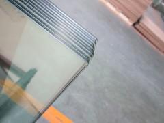 天龙玻璃提供好的圆角加工服务,同行中的姣姣者:钢化玻璃价格