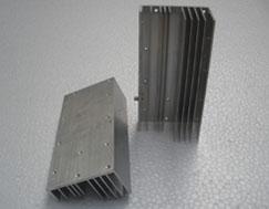 性價比高的型材散熱器,守護您的溫暖亞航型材散熱器