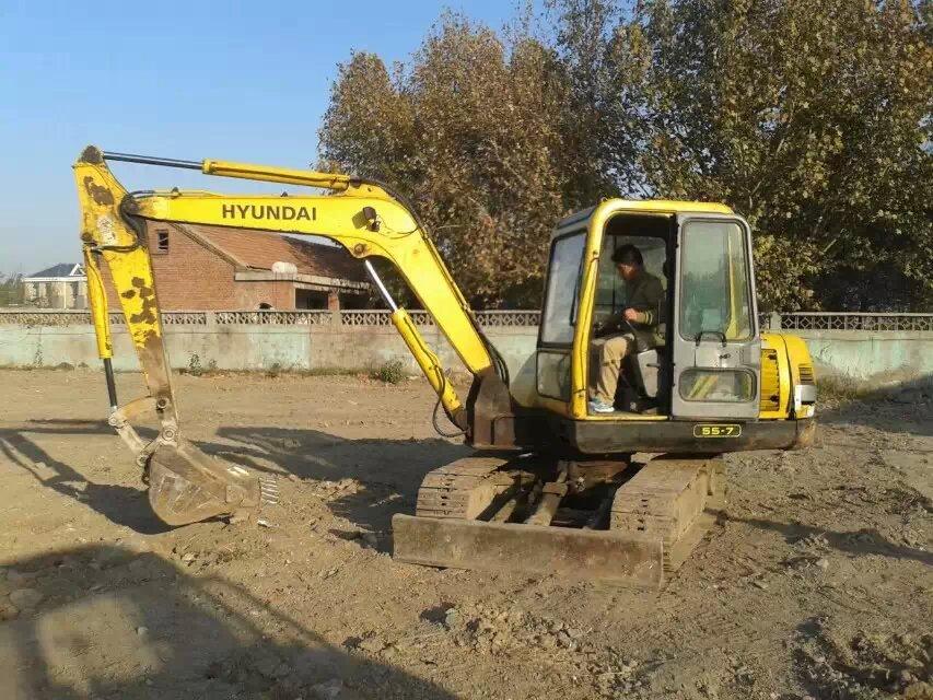 铜陵二手挖掘机——山东二手挖掘机专业供应