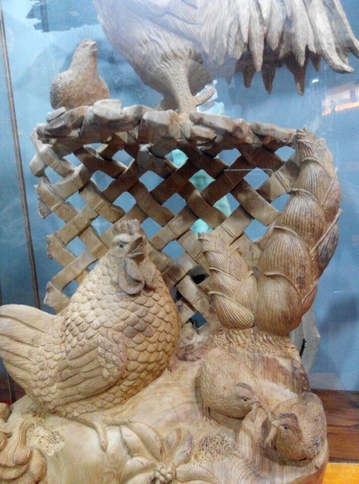 新款传统木雕雕塑供应,厦门传统木雕