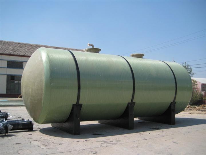 德州玻璃鋼儲罐哪家好:立式玻璃鋼儲罐安裝