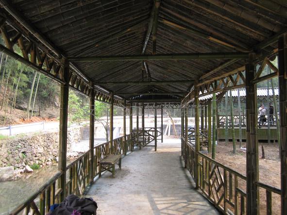 买优良的竹长廊,就到齐晟装饰_竹楼建筑价格