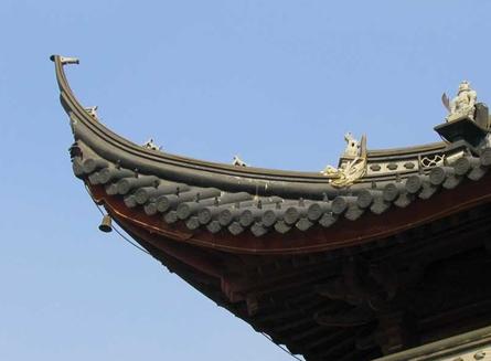 飞檐是中国传统建筑中屋顶造型的重要组成部分