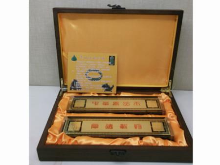 泰山墨玉镇纸   价格:120-480元