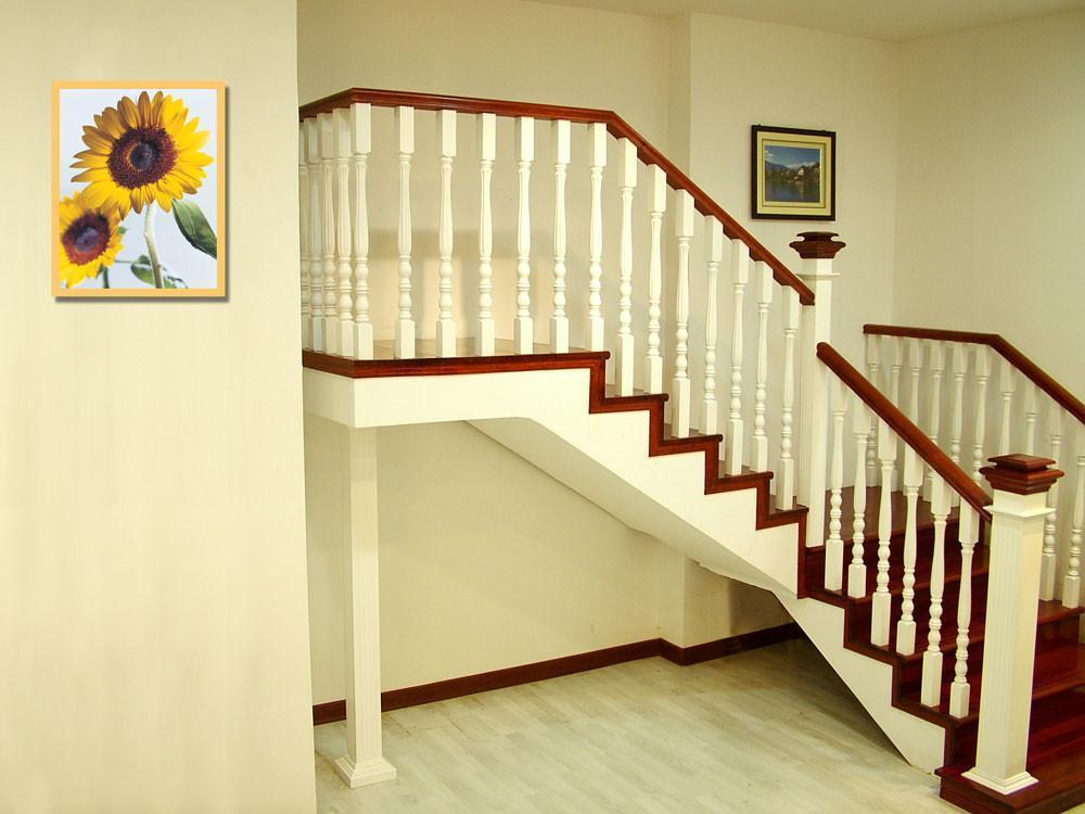 山东玻璃护栏|济南哪里的实木楼梯是实惠的