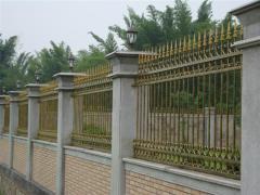 铁艺护栏优选九龙楼梯价格公道_济南实木楼梯
