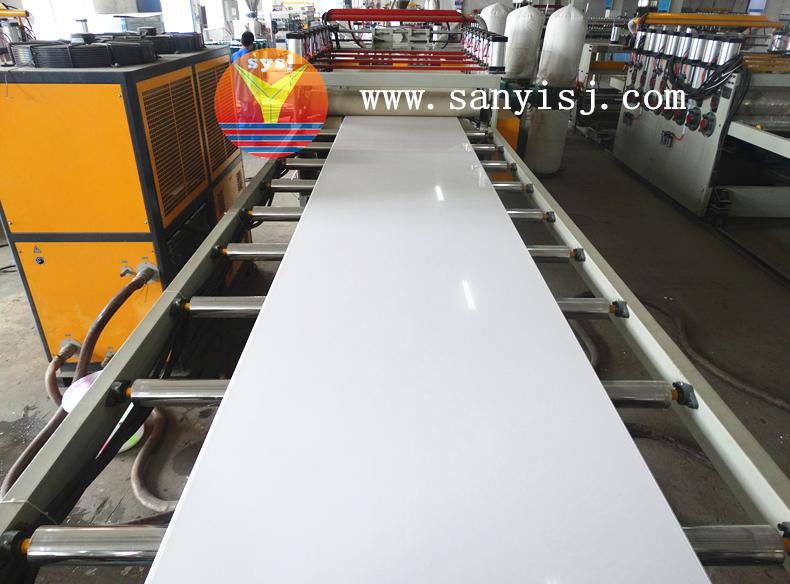 PVC家具板生产线,,,PVC家具板设备,,,三益塑机