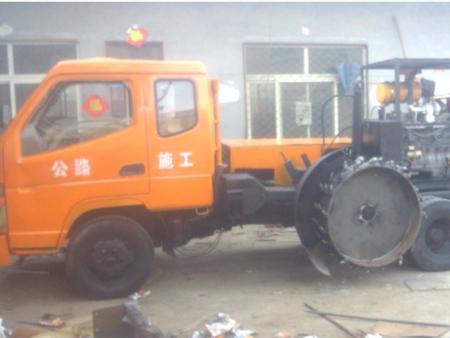 贝博h5石开槽机生产企业——聊城兴华公路机械