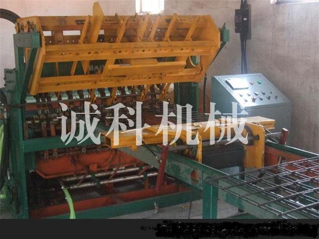 海南煤矿支护网排焊机专业生产商:海南煤矿支护网排焊机