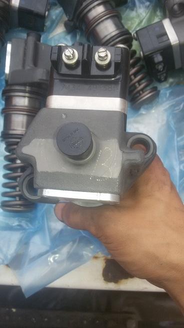 提供道依茨2015发动机配件与维修如 单体泵喷油器、输油泵