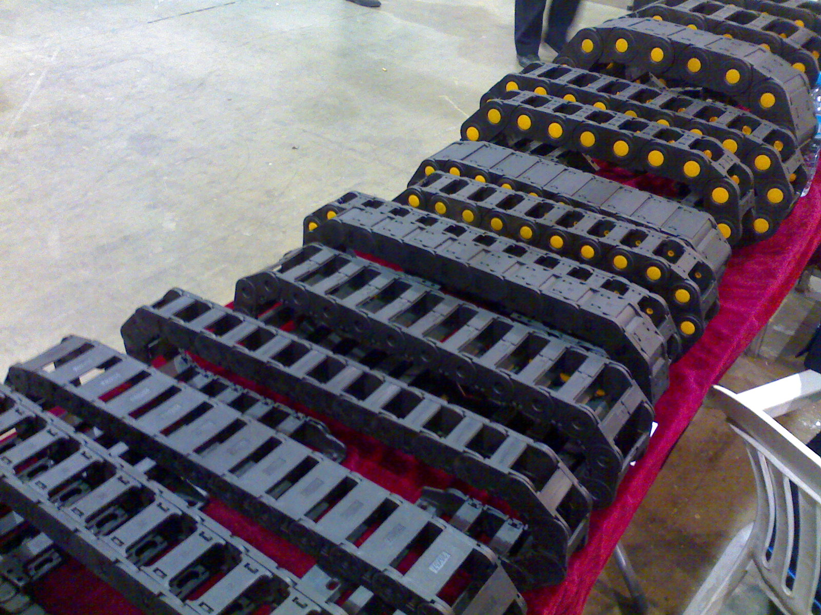 批发工程塑料拖链:隆泰数控机床附件-专业生产工程塑料拖链