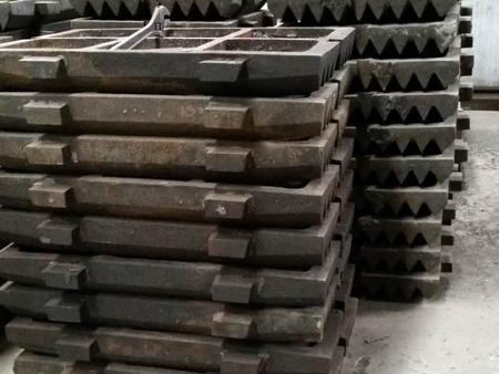 銀川少重機械提供好的破碎機鄂板_廠家供應顎板