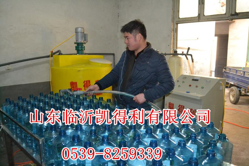 价格低高质量的玻璃水生产设备