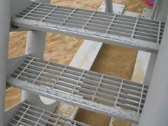 【圆正】烟台室外钢梯 烟台室外钢梯施工 烟台室外钢梯价格
