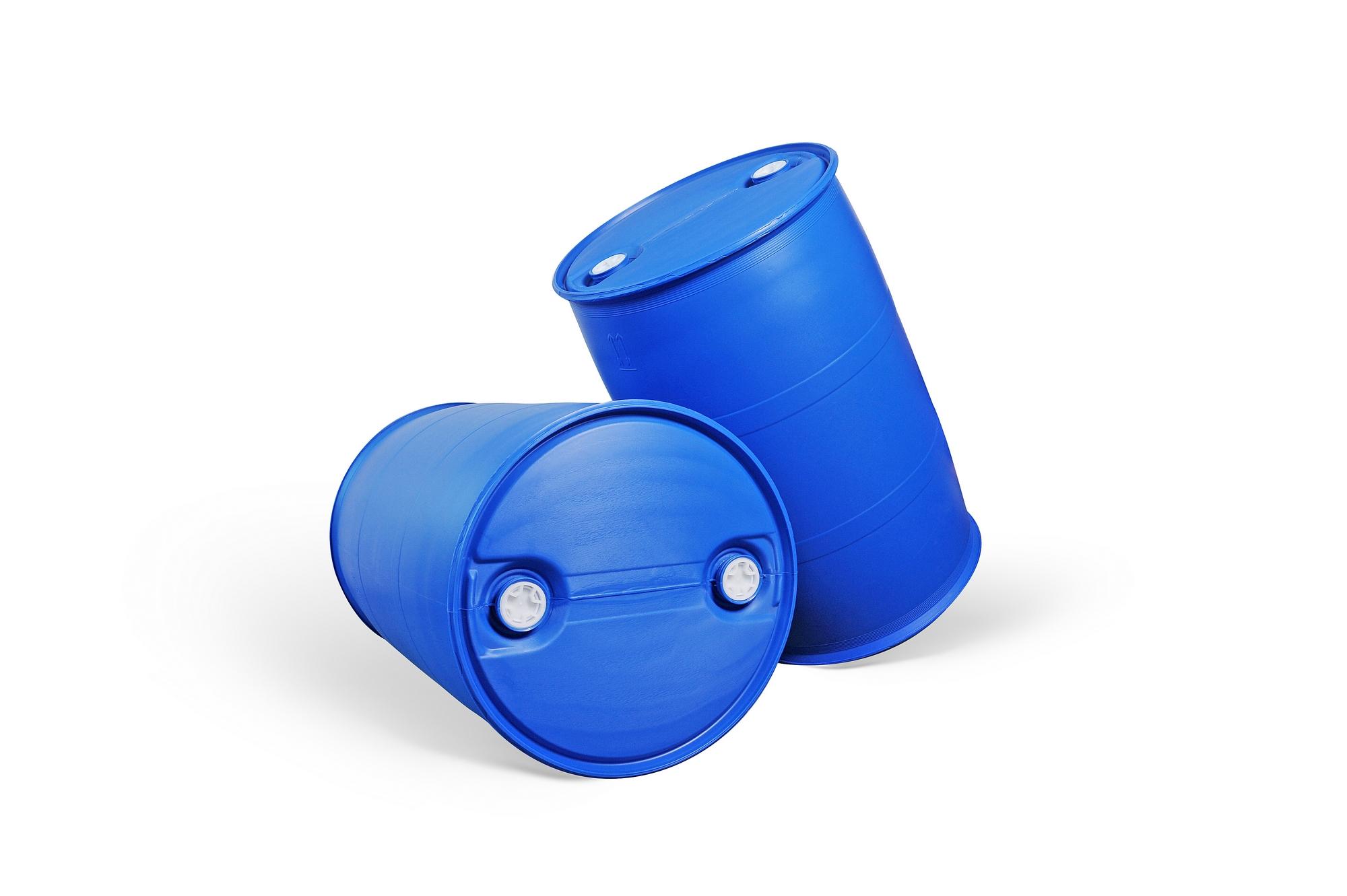 200L塑料桶G1款式 1、产品特点 A、桶型美观,根据力学原理设计,独特的桶型结构使产品具有更高的抗跌落性能,强度明显优于其他结构款式的200升塑料桶。 B、桶口采用下密封生产工艺,密封性优于国内普遍的上密封生产工艺,密封性能更好。 C、凸桶面结构设计,在暴雨季节桶面不会积水,可有效防止雨水从桶口位置渗进桶内污染您的液态产品。 D、双L环的桶型结构使塑料桶在运输过程中滚动、装运更加方便,在热灌装的时候可有效的防止桶底部侧面凹陷。 2、原材料使用 A、我们采用的原材料为高分子量高密度聚乙烯(HMWHDPE