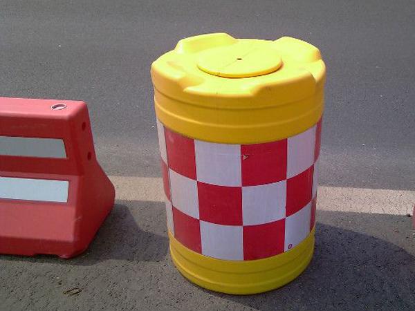 威海防撞桶,业内可信赖的防撞桶公司哪家好
